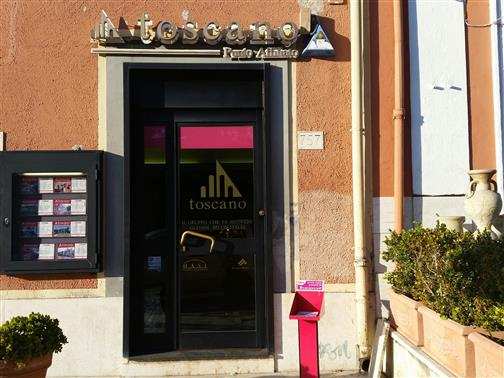 Agenzia immobiliare ostia antica toscano for Emmerre arredamenti ostia antica orari