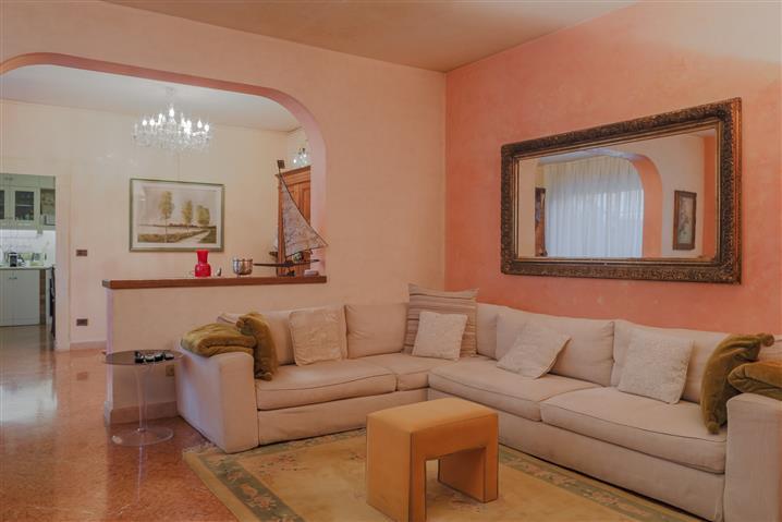 Villa in vendita di 329 mq trattativa riservata (rif. 51/2019)977181