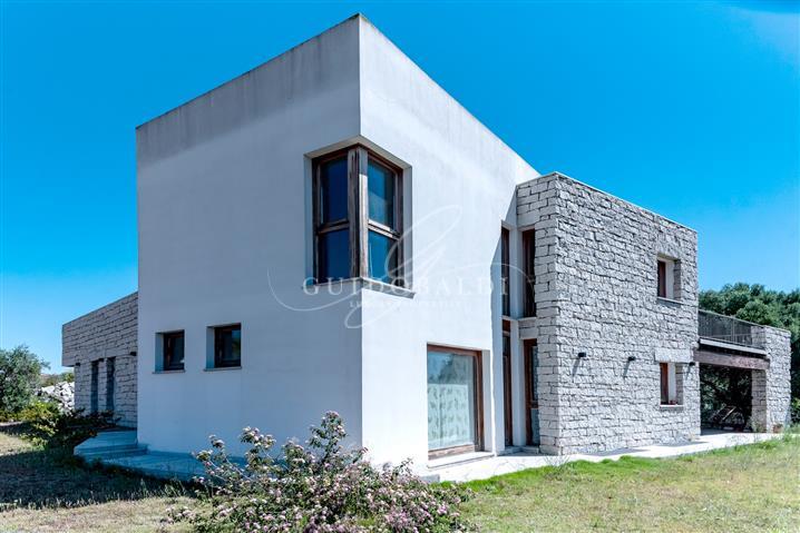 Villa in vendita di 440 mq a €680.000 (rif. 74/2018)820669