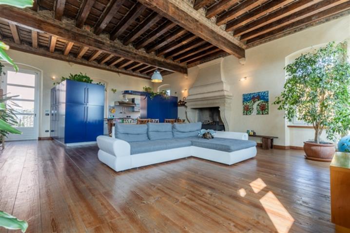 Casale in vendita di 372 mq a €960.000 (rif. 9/2021)1265999