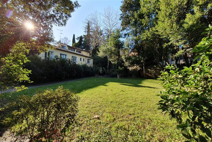 Casa in vendita di 278 mq a €1.590.000 (rif. 9/2020)1081073
