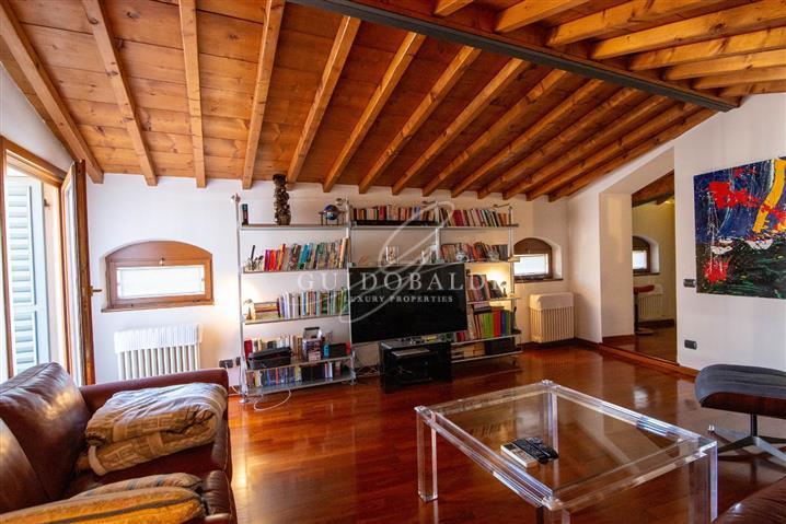 Casa in vendita di 180 mq a €700.000 (rif. 74/2016)815918