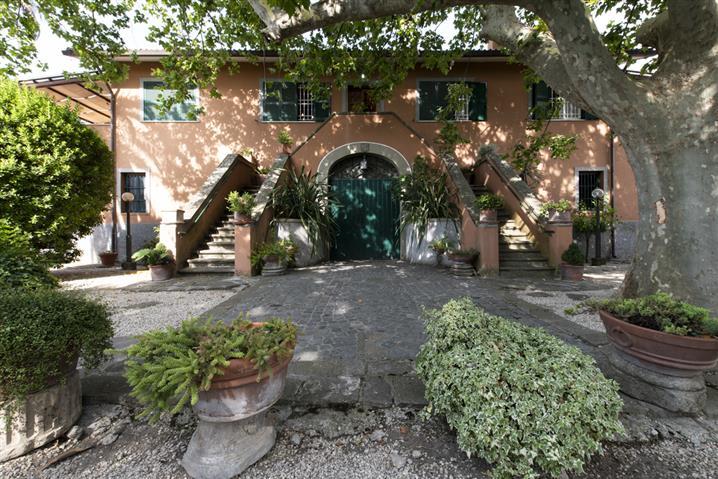 Villa in vendita di 720 mq a €1.400.000 (rif. 56/2018)851397
