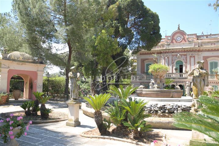 Villa in vendita di 603 mq trattativa riservata (rif. 4/2020) 1062666