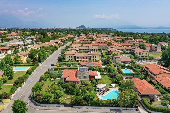 Villa in vendita di 700 mq a €3.000.000 (rif. 54/2019)