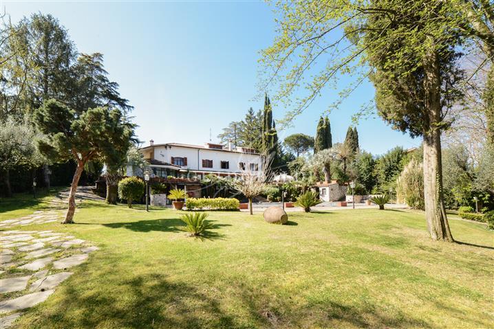 Villa in vendita di 860 mq a €1.300.000 (rif. 10/2021) 1263959