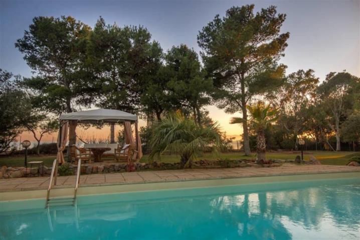Villa in vendita di 240 mq a €895.000 (rif. 24/2019) 814517
