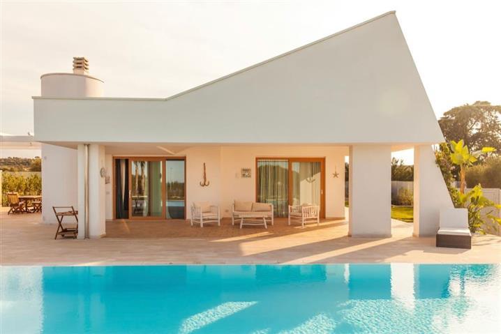 Villa in vendita di 100 mq a €575.000 (rif. 6/2021)1207202