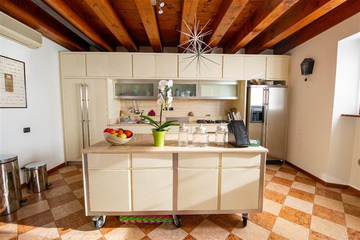 Casa in vendita di 180 mq a €810.000 (rif. 74/2016) 815821
