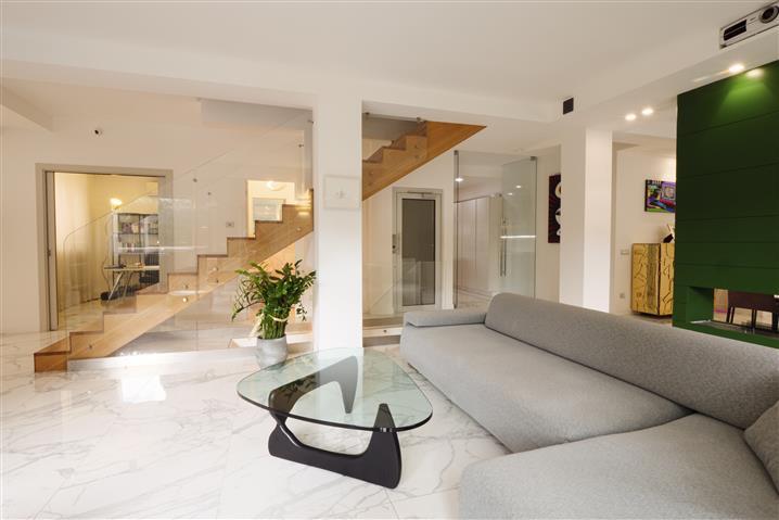Casa in vendita di 342 mq a €1.720.000 (rif. 21/2020) 1169804
