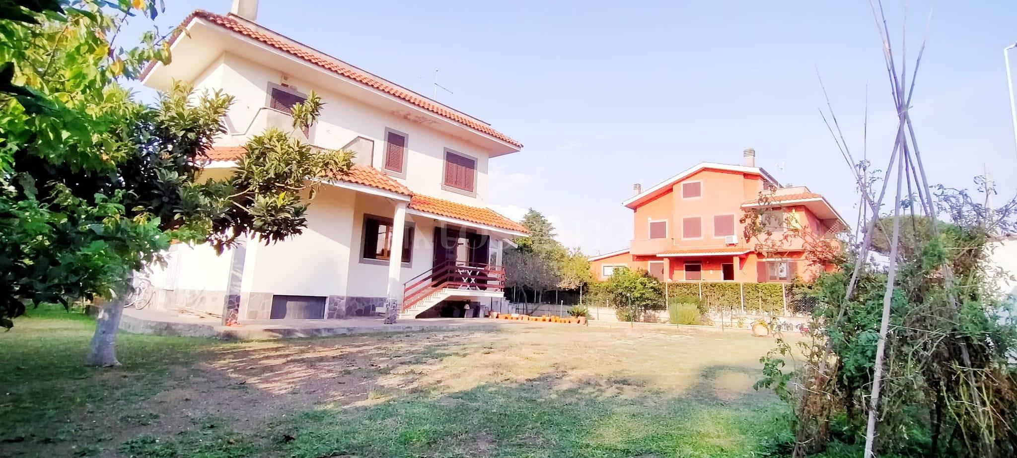 Villa in vendita di 350 mq a €799.000 (rif. 58/2020) immagine 1 di 15