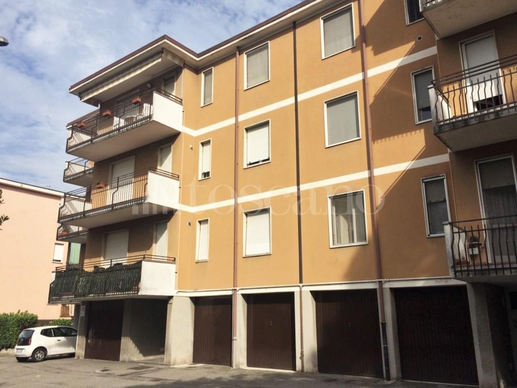 Vendita casa a como in via monte lungo como sole 83 2017 for Toscano immobiliare como