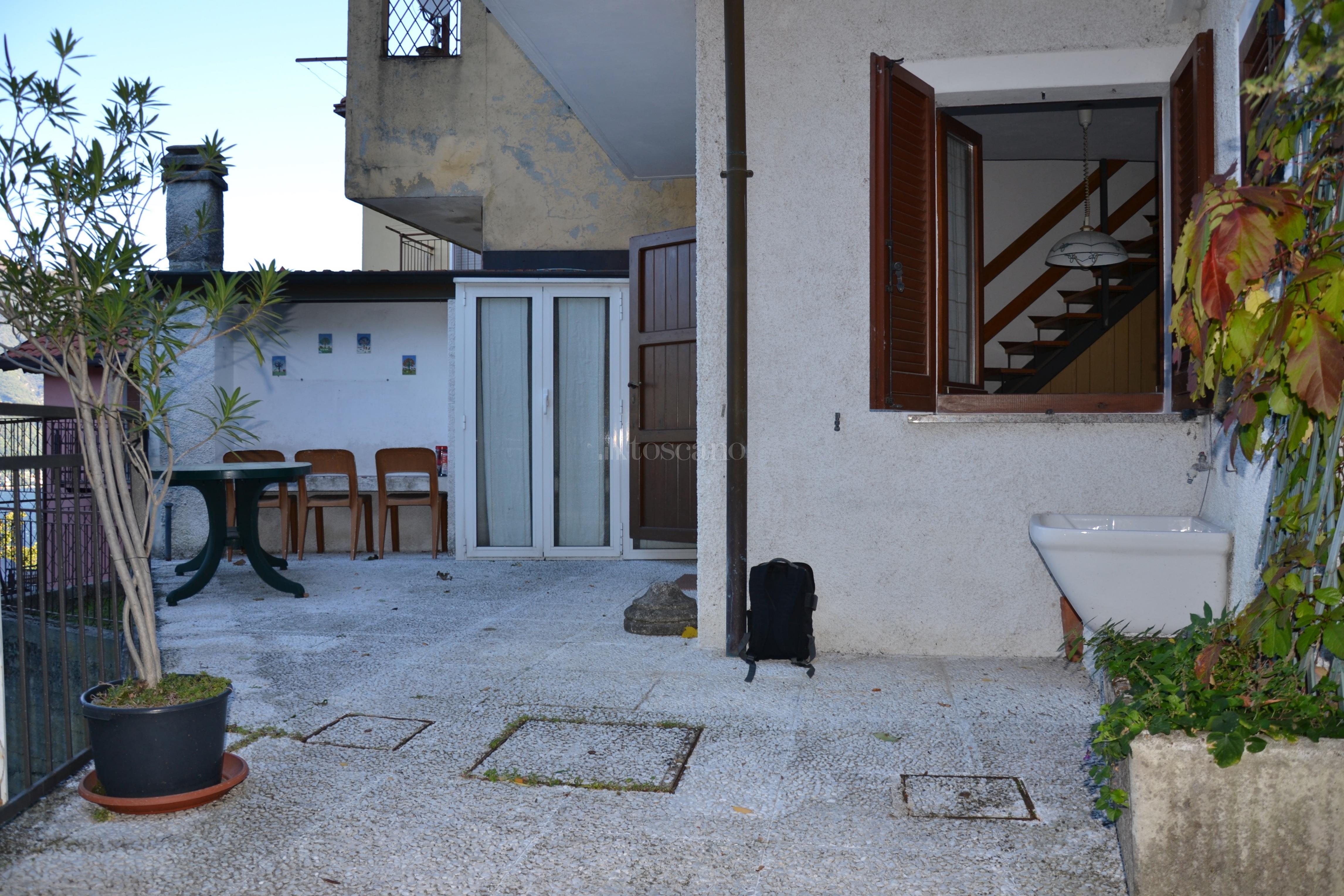 Vendita casa indipendente a blevio in blevio capovico 95 for Toscano immobiliare como