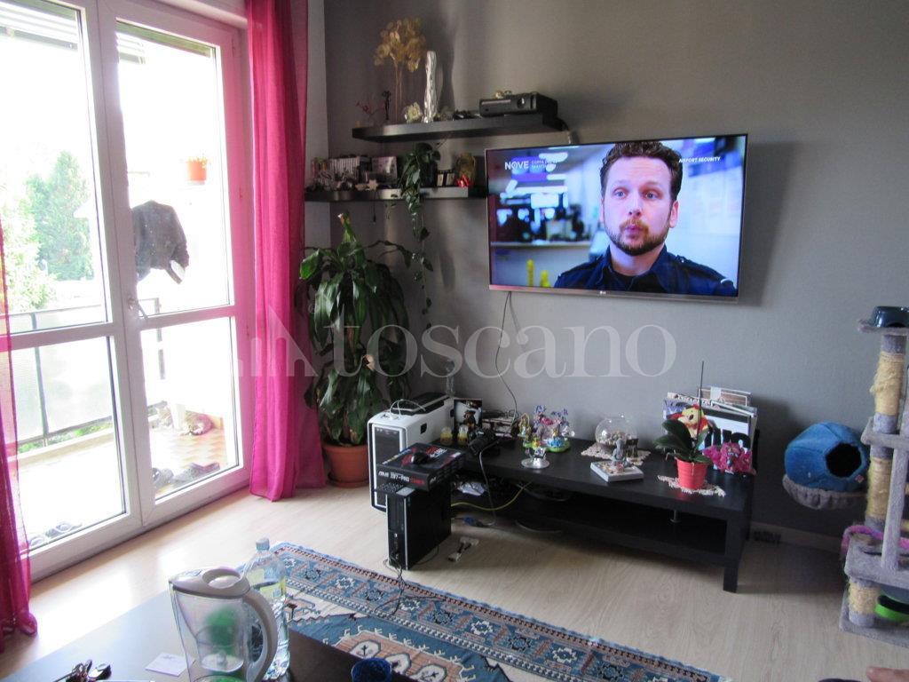 Vendita casa a como in como via marco d oggiono 4 pio x for Toscano immobiliare como