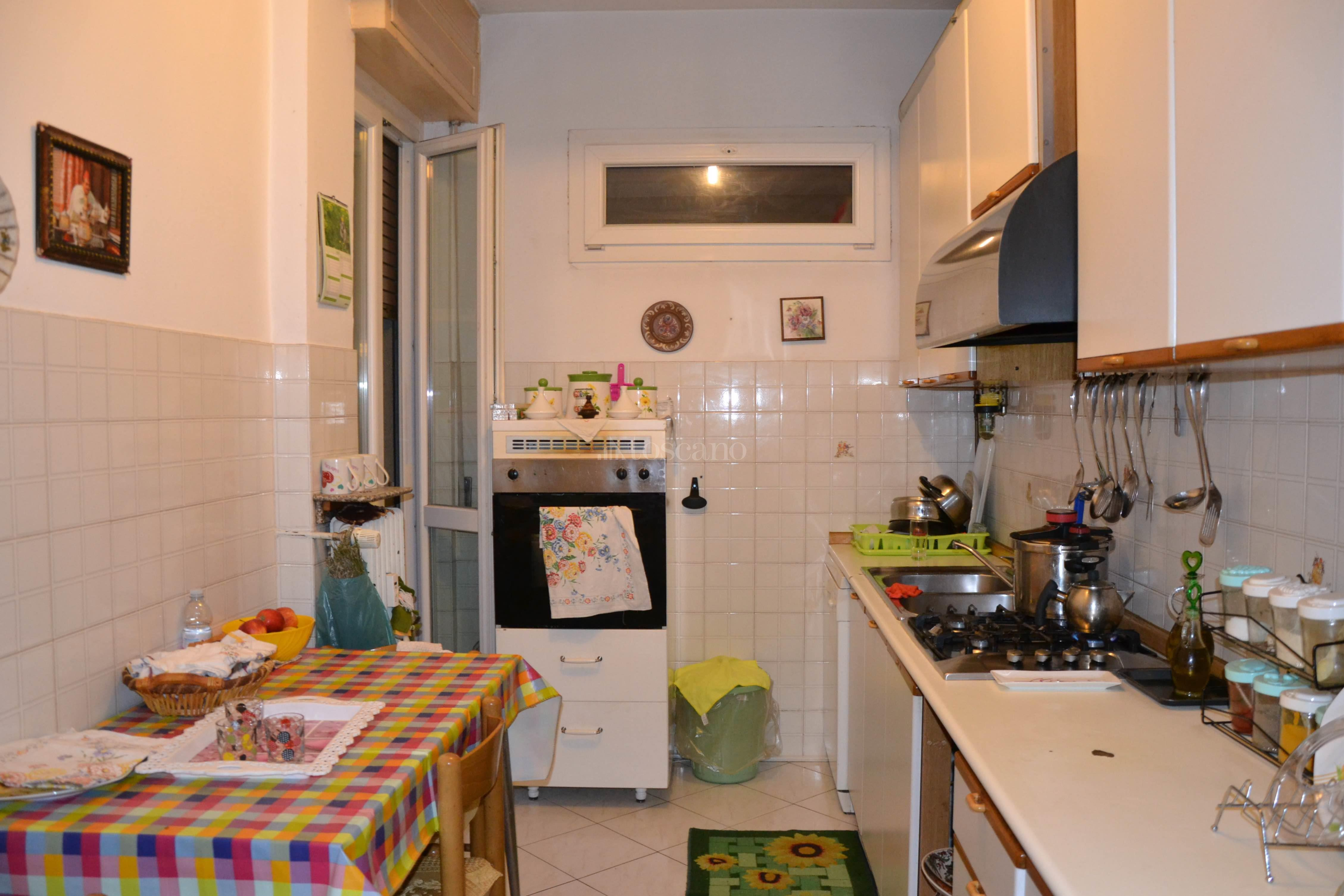 Vendita casa a como in via turati piazza camerlata 119 for Toscano immobiliare como