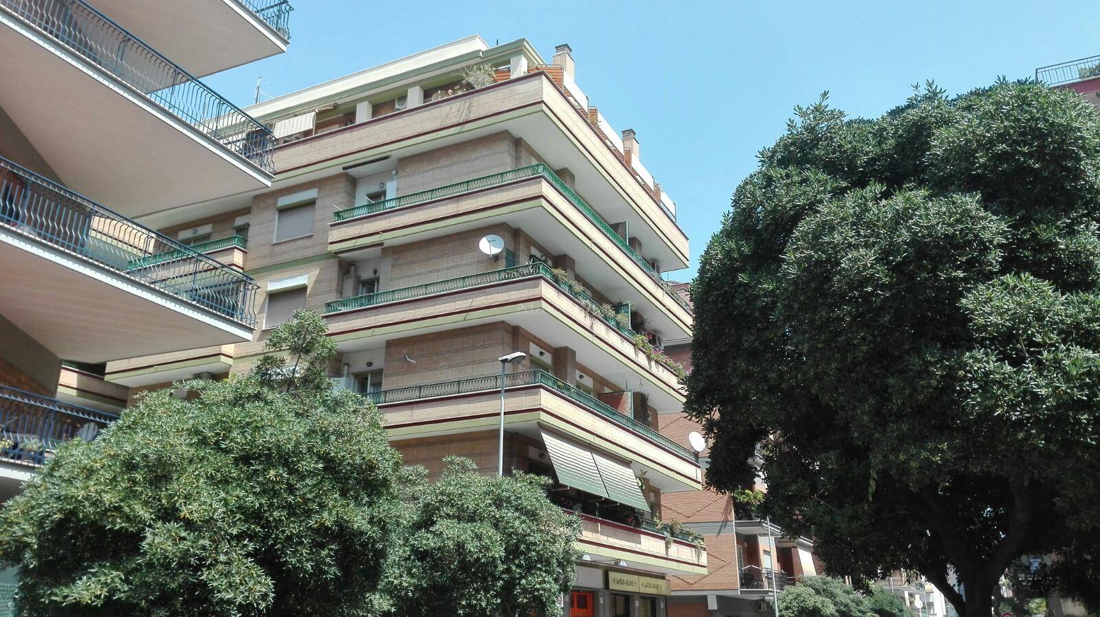 Vendita casa a roma in via panfili ostia centro 142 2016 for Compro casa roma centro