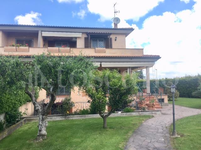 Villa in vendita di 300 mq trattativa riservata (rif. 49/2019)