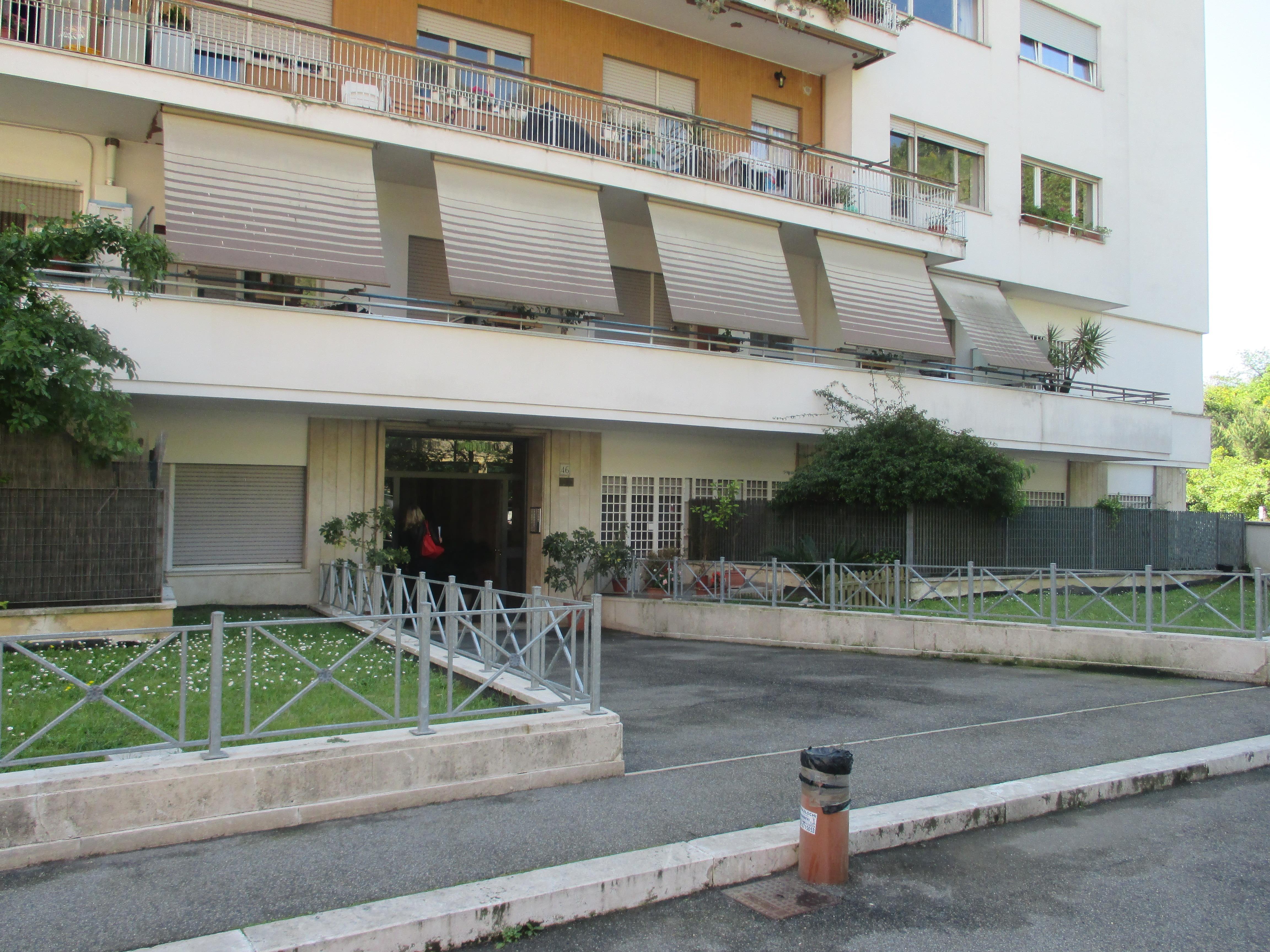 affitto casa a roma in via pietro de cristofaro cipro 27