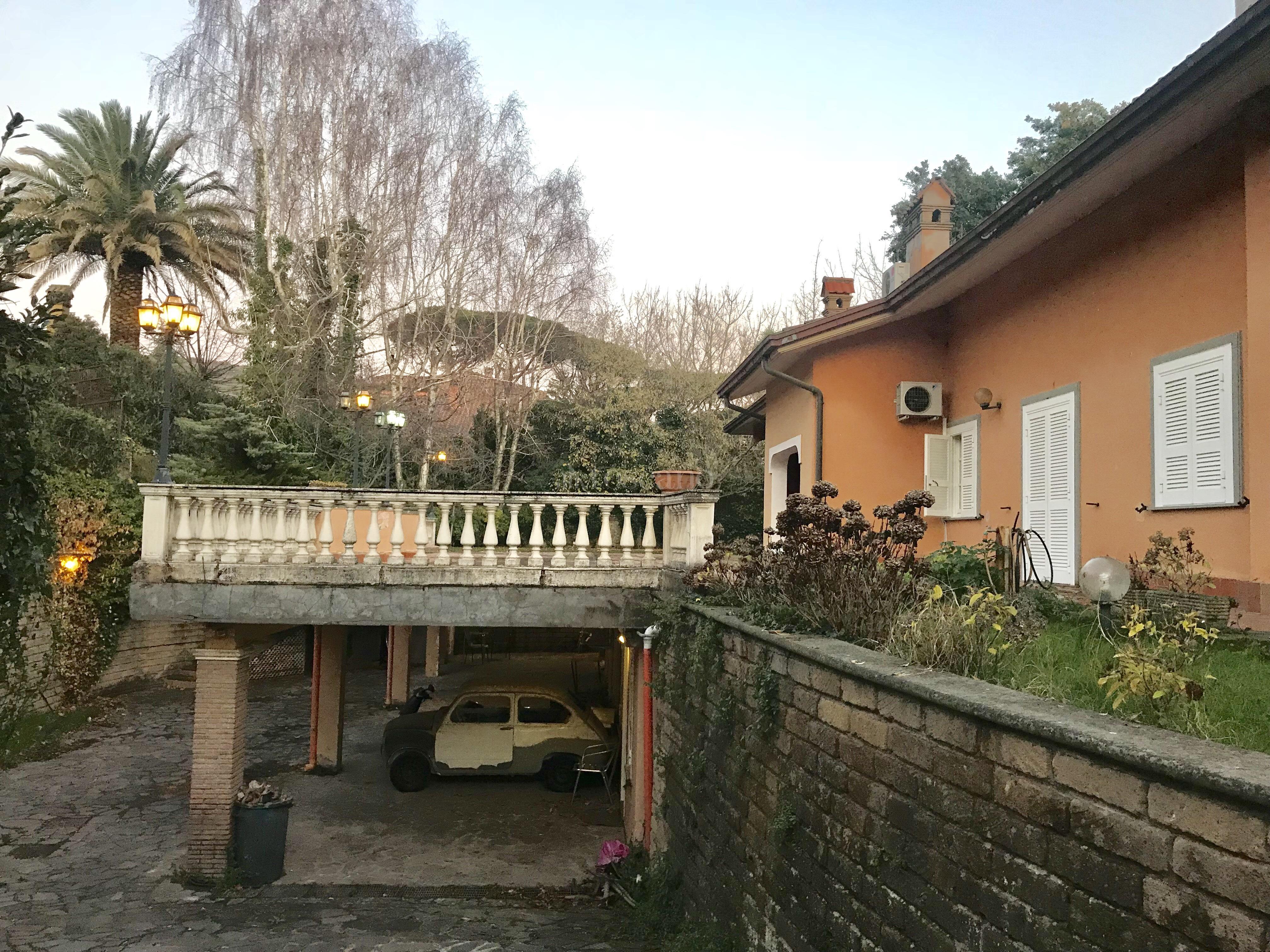 Villa Plurifamiliare In Vendita Rif