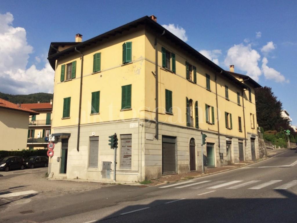 Vendita casa a como in via statale per lecco statale per for Toscano immobiliare como
