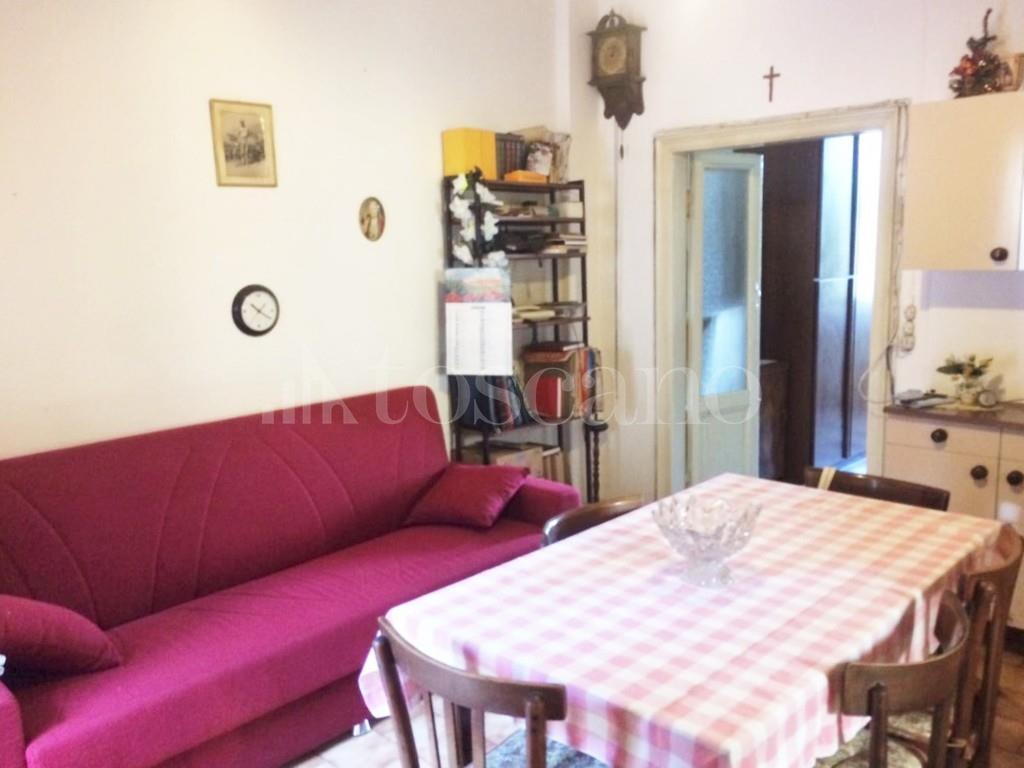 Vendita casa a como in via varesina piazza camerlata 66 for Toscano immobiliare como