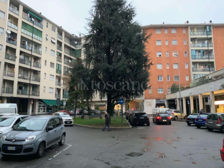 Agenzie Immobiliari Corsico vendita negozio a corsico in piazza aristide carabelli