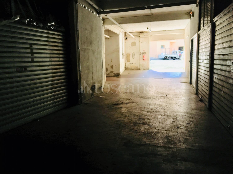 Via Acquedotto Del Peschiera.Vendita Box A Roma In Via Acquedotto Del Peschiera Monte