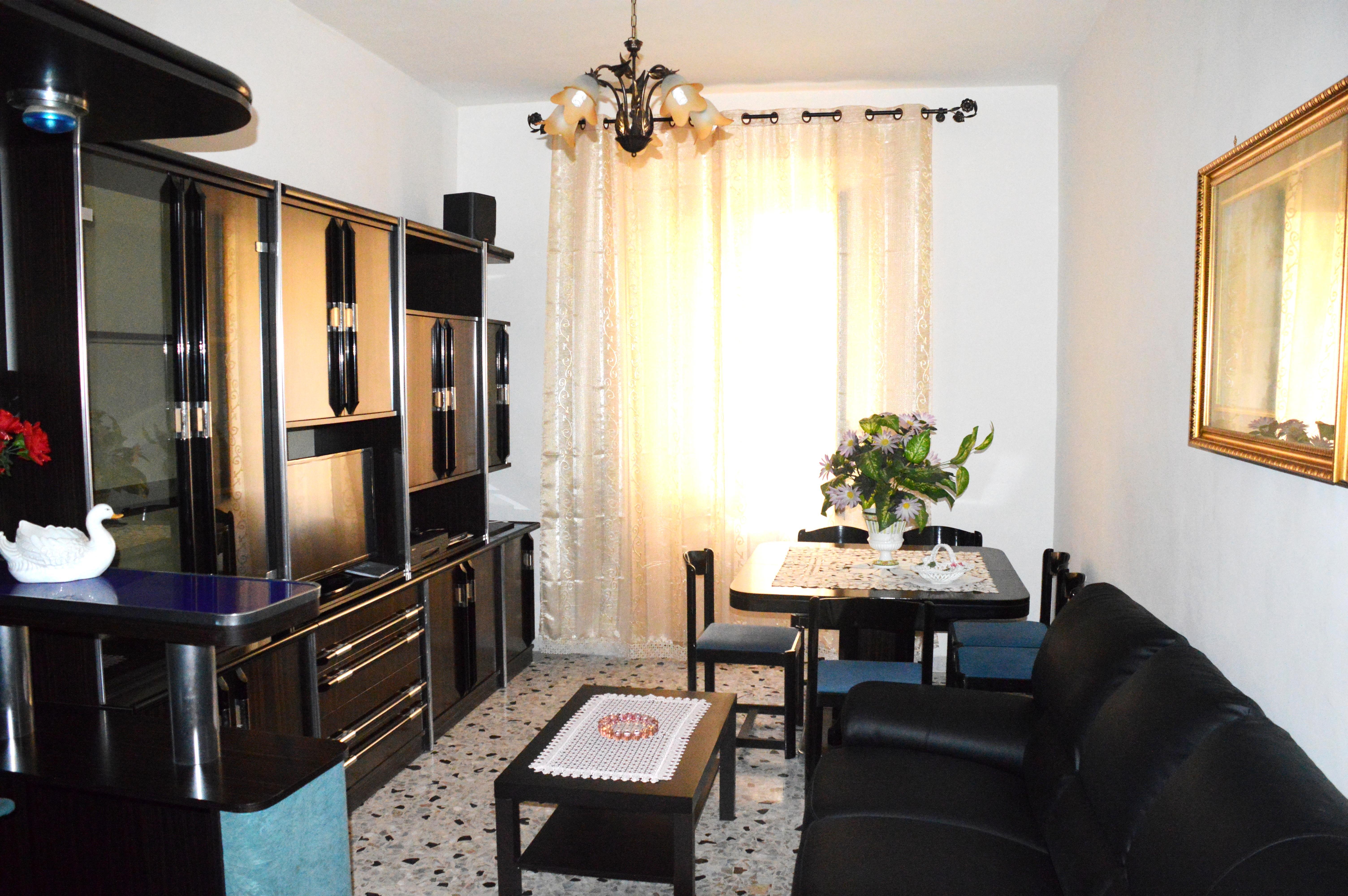 Vendita casa a roma in via goffredo mameli trastevere 81 for Case in vendita roma trastevere