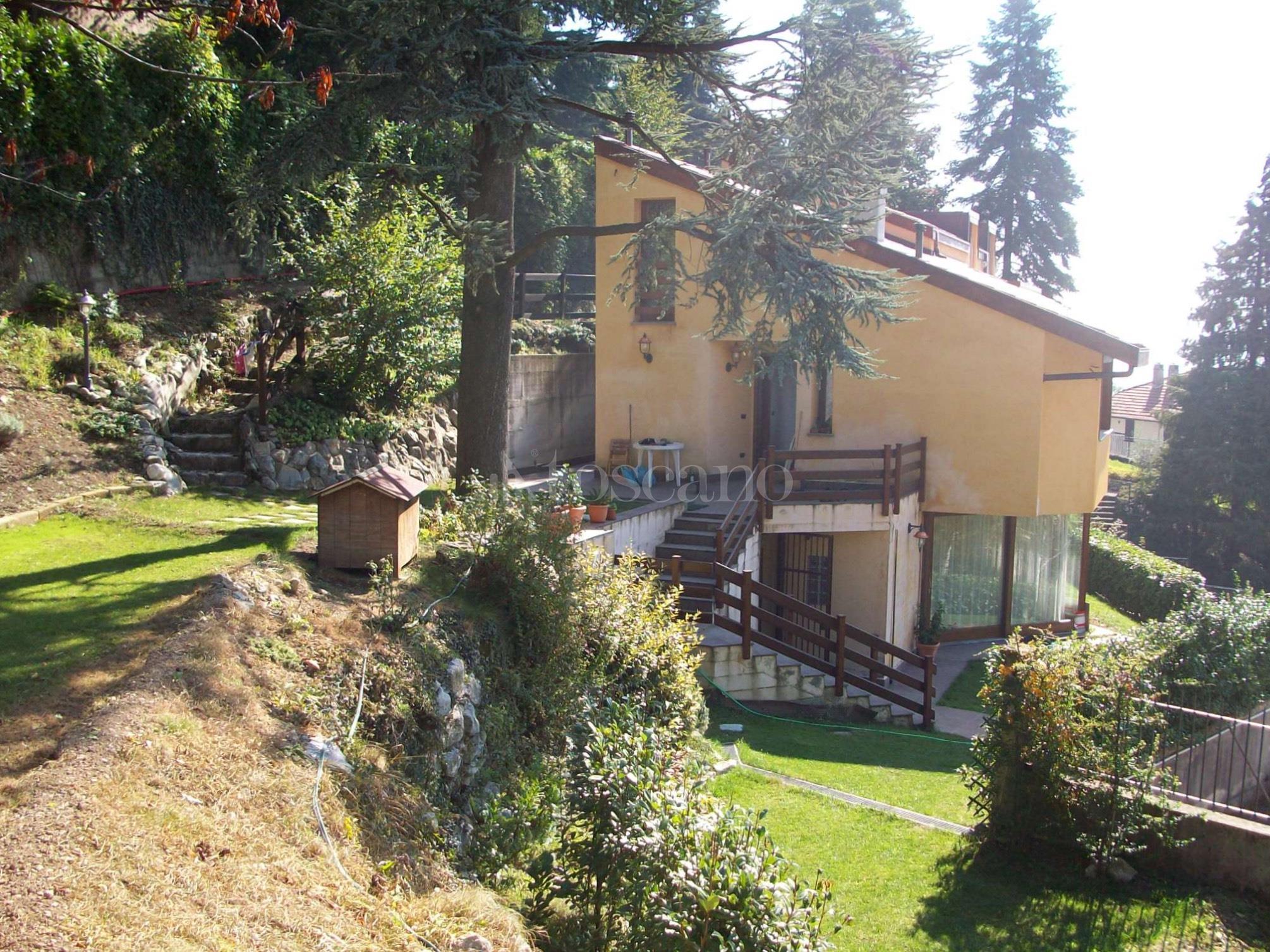 Vendita villa a brunate in via ai piani brunate 68 2017 for Piani di casa di roccia del fiume