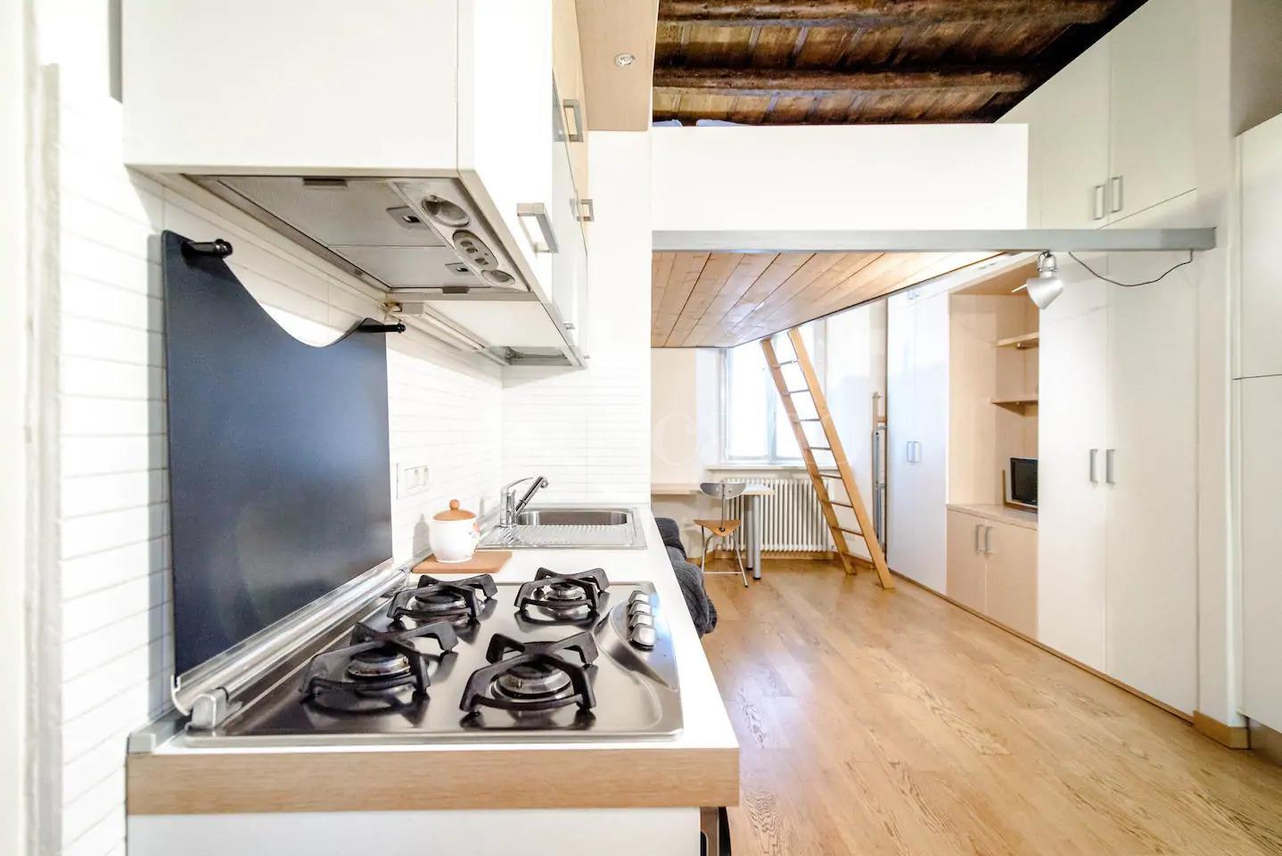 Ristrutturare Appartamento 35 Mq vendita casa a como in via lambertenghi, città murata 144