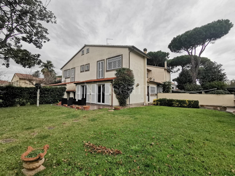 Villa Plurifamiliare in vendita di 180 mq a €449.000 (rif. 62/2019)