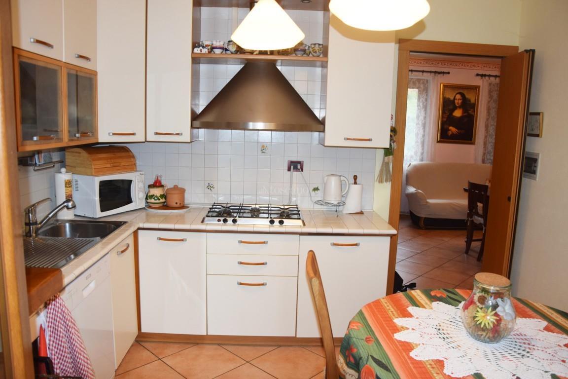 Vendita casa a como in via conciliazione tavernola 132 for Toscano immobiliare como