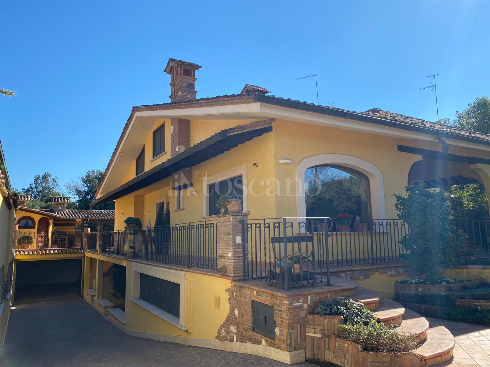 Villa in vendita di 300 mq a €699.000 (rif. 20/2020)