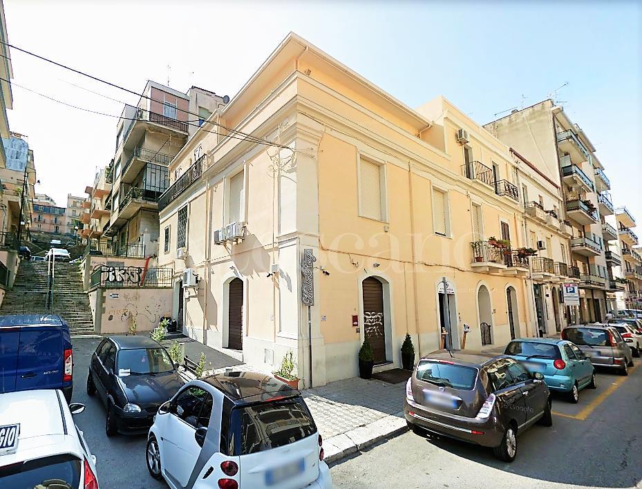 affitto Negozio a Reggio di Calabria in Via Aschenez
