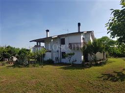 Villa in vendita di 210 mq a €365.000 (rif. 70/2018)