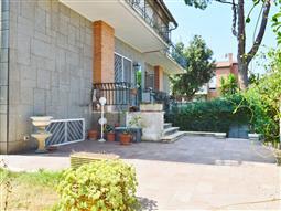 Villa Plurifamiliare in vendita di 220 mq a €510.000 (rif. 25/2018)