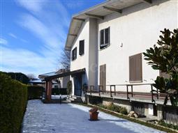 Villa Bifamiliare in vendita di 550 mq a €600.000 (rif. 131/2016)
