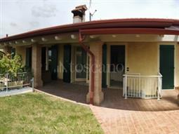Villa Bifamiliare in vendita di 160 mq a €285.000 (rif. 45/2018)