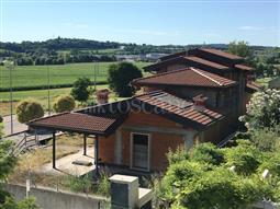 Villa Bifamiliare in vendita di 250 mq a €270.000 (rif. 50/2018)