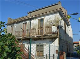 Casa Indipendente in vendita di 120 mq a €40.000 (rif. 42/2018)