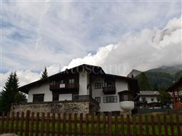 Villa in vendita di 500 mq a €1.550.000 (rif. 11/2017)