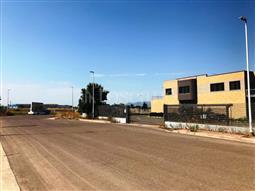 Negozio in affitto di 730 mq a €6.000 (rif. 34/2018)