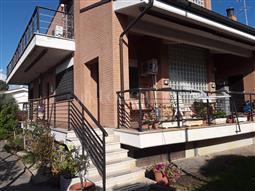 Villa Bifamiliare in vendita di 220 mq a €349.000 (rif. 81/2017)
