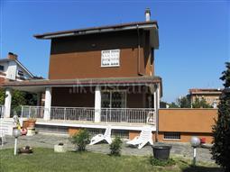 Villa Bifamiliare in vendita di 380 mq a €495.000 (rif. 39/2017)