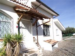 Villa Plurifamiliare in vendita di 200 mq a €269.000 (rif. 107/2017)