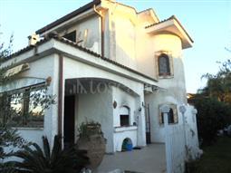 Villa in affitto di 80 mq a €650 (rif. 1/2018)