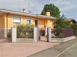 Villa in vendita di 400 mq a €555.000 (rif. 8/2018)