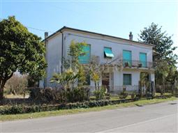 Casa Indipendente in vendita di 270 mq a €195.000 (rif. 5/2018)