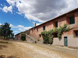 Casale in vendita di 1.400 mq a €1.950.000 (rif. 63/2017)