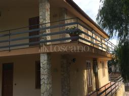 Villa Bifamiliare in vendita di 220 mq a €450.000 (rif. 112/2017)